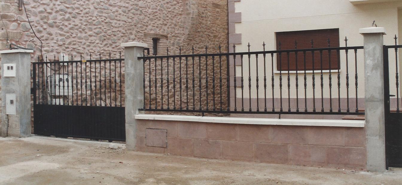 Cancelas de hierro latest puerta cancela de forja with - Cancelas de hierro ...